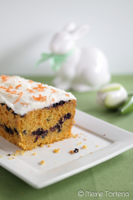Möhren-Blaubeer-Kuchen