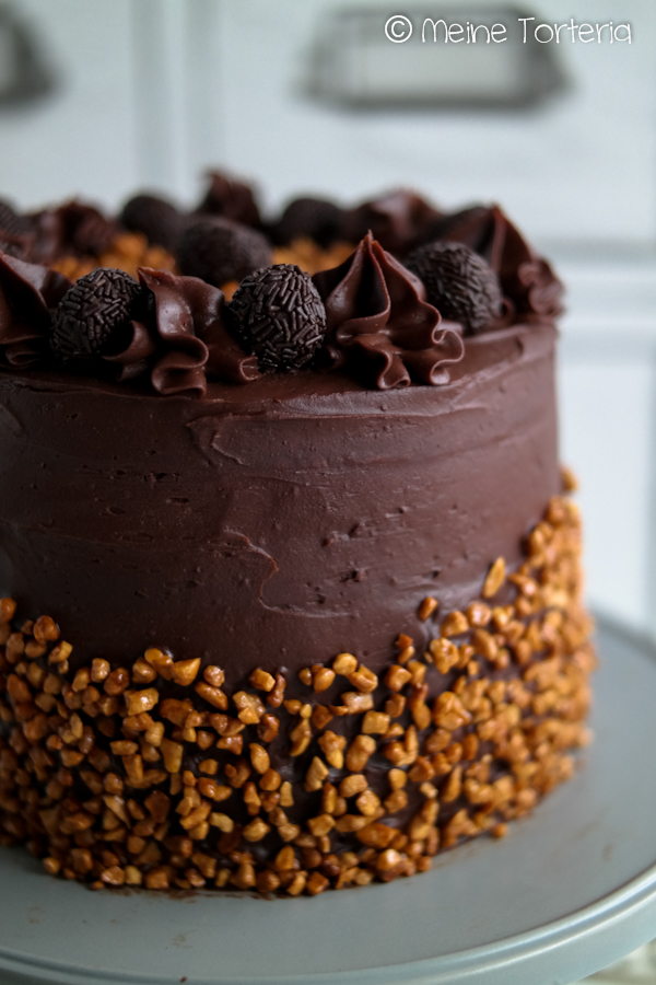 Erdnuss-Schokotrüffel-Torte