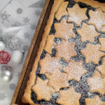 Fruchtige Weihnachtstarte mit Pflaumenmus