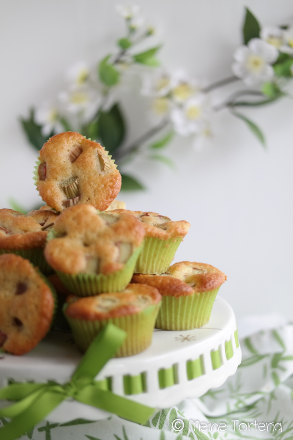 Rhabarber Muffins mit Joghurt
