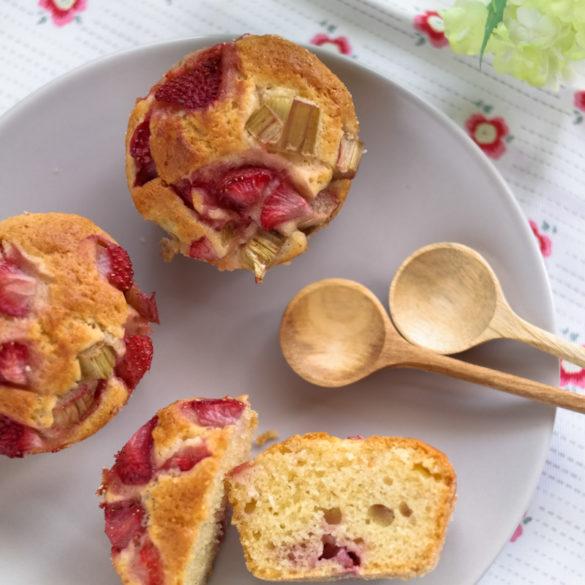 Erdbeer-Rhabarber-Muffins
