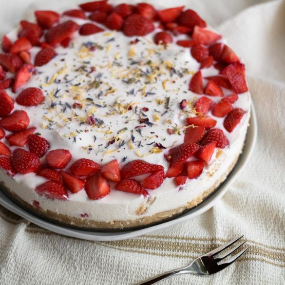Erdbeer-Multivitamin-Torte ohne Backen